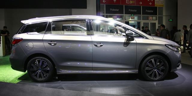 国产全新mpv,车长4米68配1.5t,百公里油耗仅为7.6l