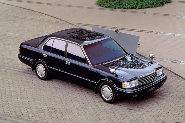 进入中国的第一款丰田,曾象征身份地位,如今却要说再见了