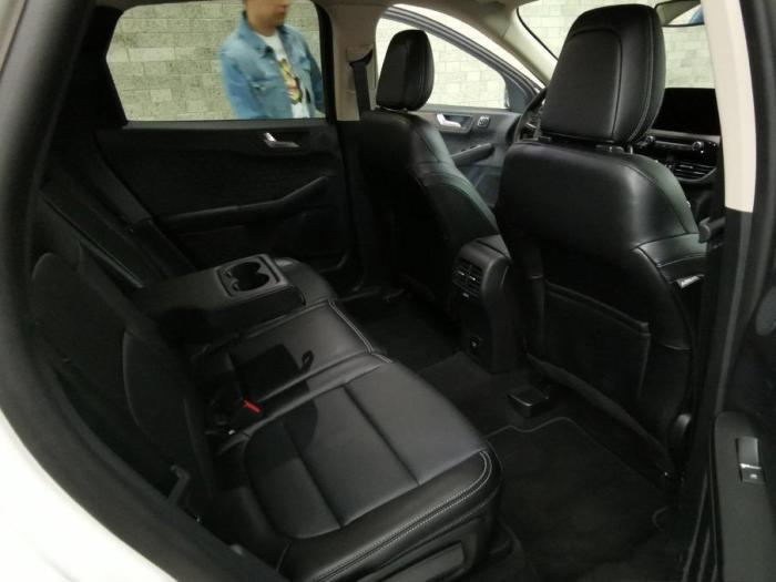 福特新翼虎实车亮相,造型圆润了,这还是美系SUV吗?