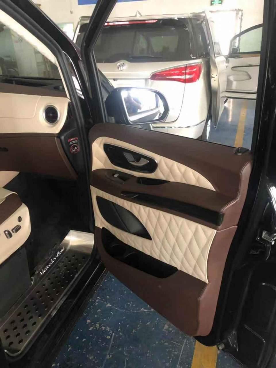 奔驰威霆改造大空间MPV,配置宽敞沙发床,完美座驾满足需求