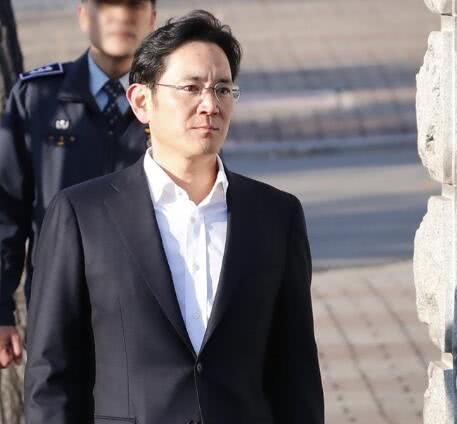 """韩国最高法院下令复审""""三星太子""""李在镕行贿案 提出更多指控"""
