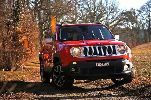 Jeep自由光,亮到你发慌,质量差到主持人都听笑了