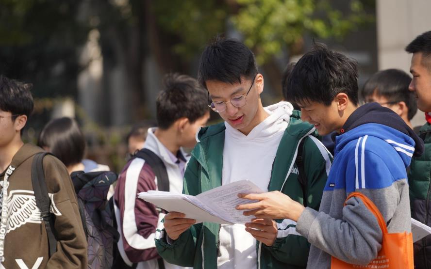 江苏高考改用全国卷,江苏考生有优势吗,和其他省份比会怎样?