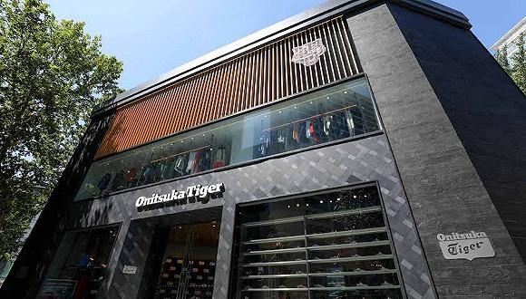 北京华贸旗舰店开张,从亚瑟士独立的鬼塚虎想做什么?