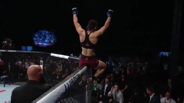 振奋人心 张伟丽成中国首位UFC冠军_打字兼职导航