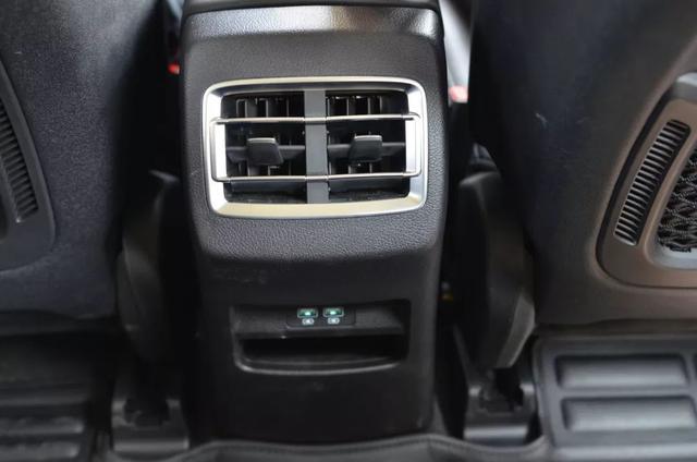 轱辘试驾|宋Pro DM开起来是性能车,坐起来是豪华车