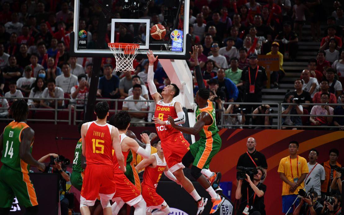 半场战平第三节反超,中国男篮世界杯开门红