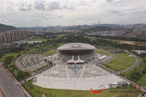 世界杯东莞篮丨五彩鲜花扮靓城市颜值!东莞在重要路段布展迎接篮球世界杯
