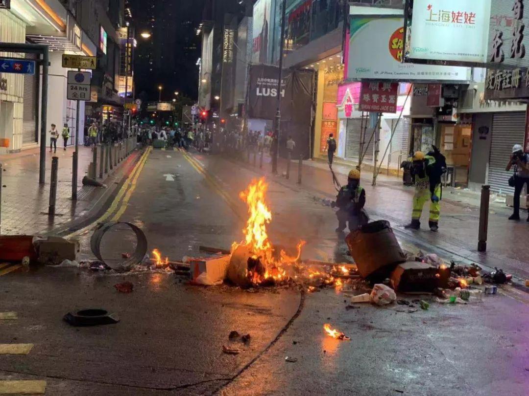 暴力请愿者31日正在喷鼻港多天放火(全球时报-全球网/陈青青)