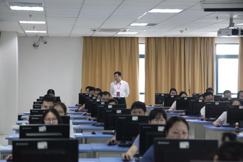 今年广东有5.05万人报名司法考试,还有一名80岁的考生!