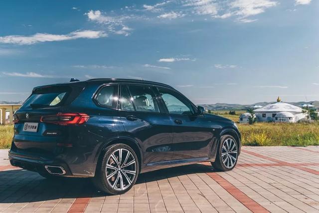 秉持运动、兼具豪华,全新一代BMW X5不再低调