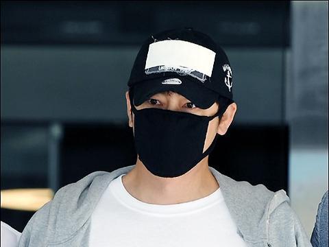 韩国艺人姜至奂涉嫌性侵猥亵出庭受审