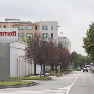 法国警方破获南美犯罪团伙 专在酒店附近抢游客