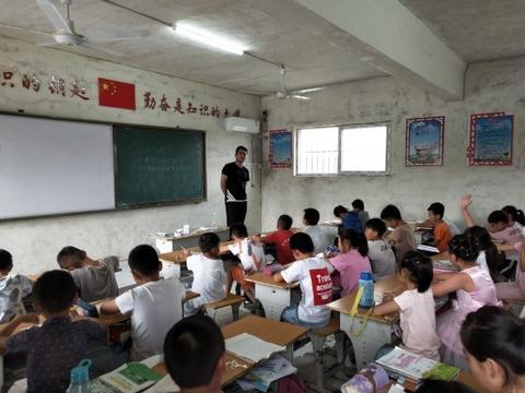 河南农业大学国际教育学院窝窝乡支教团队——支教在路上