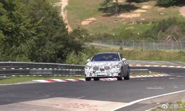 视频:全新2020奔驰S级W223谍照,小小的满足你对这款车的好奇心!