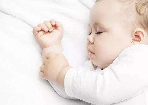 """家有睡渣宝宝?学会这四招,告别""""夜哭郎"""""""