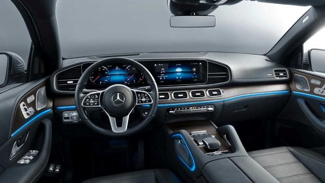 路咖与车:新款奔驰GLE Coupe官图发布 买宝马X6还是买它?
