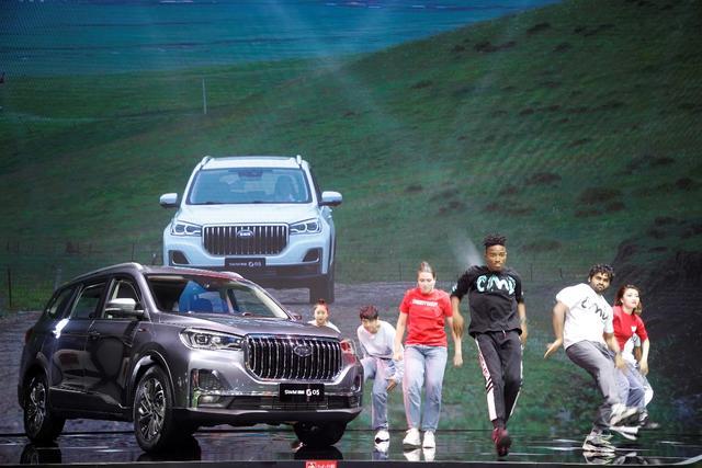 "SWM斯威G05,6.99万能拿下的""大7座休旅SUV"""