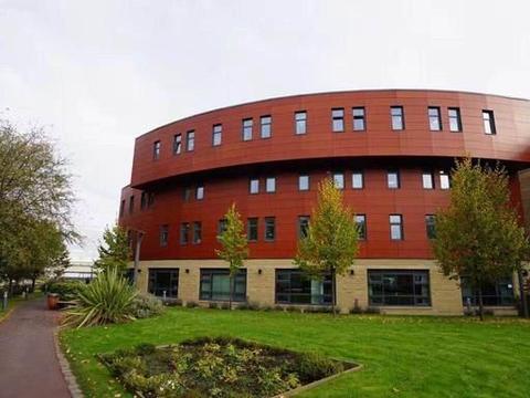 哈德斯菲尔德大学是怎样一种存在?