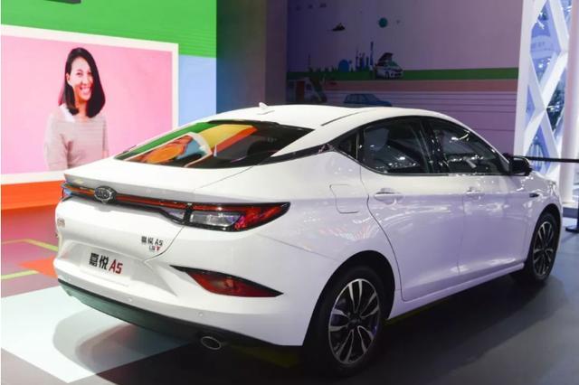 年轻人喜欢的设计都集中在它身上,江淮嘉悦A5成都车展首次亮相