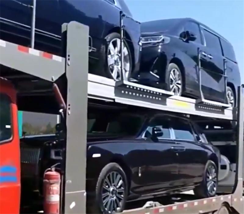 又来一批库里南,车价610万,5.2秒破百,订车到提车等1年