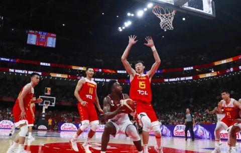 中国男篮世界杯出局 王仕鹏连发五问 网友最心疼的是他