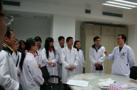 """为什么医学分数都偏高,而""""北京大学""""医学部录取分数却偏低?"""