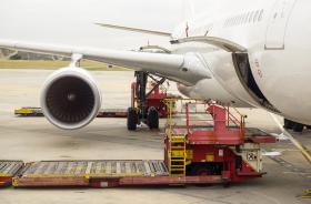 贸易保护主义拖累全球航空货运需求增长