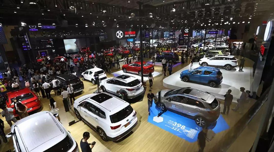 成都车展新能源车云集  纯电动销量冠军北汽新能源EU5 R600吸睛