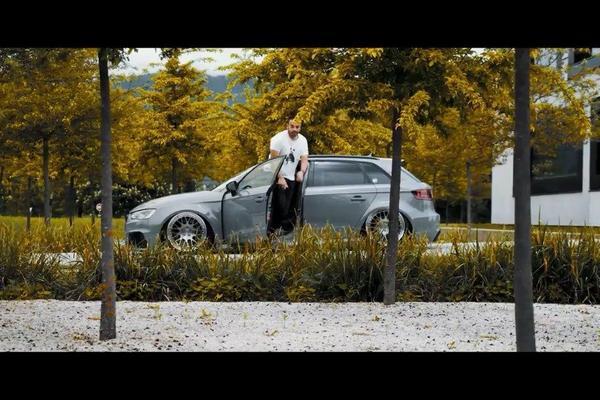 视频:一辆改得非常漂亮的奥迪RS3,姿态看着很舒服