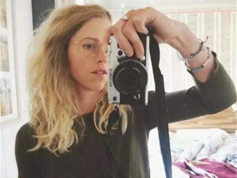 澳洲二胎妈妈一年只用清水洗头,头发反倒更好,二个娃也一样