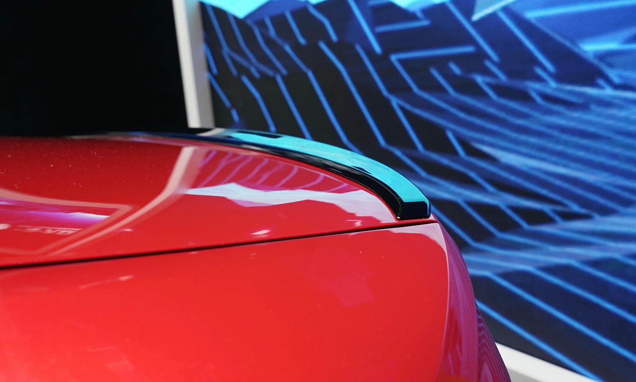 展台最亮眼的车型之一,一汽大众速腾R-Line