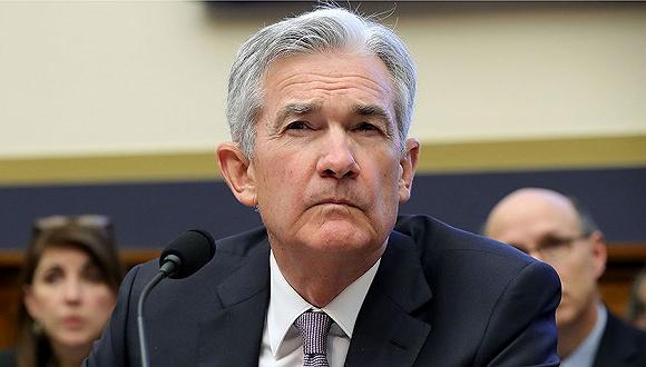 美联储主席鲍威尔暗示继续降息,但指美国经济表现良好