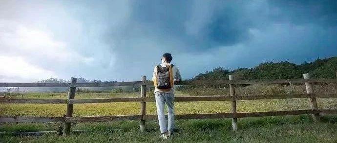 """""""广州保姆纵火案""""男主人灰色的800天:老婆孩子在天堂,我在人间行善"""
