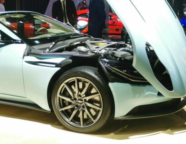 中国特供款阿斯顿·马丁亮相成都车展,售价228.8万起