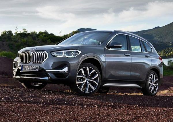 豪华品牌入门级SUV之争,奔驰GLA和宝马X1哪个好?
