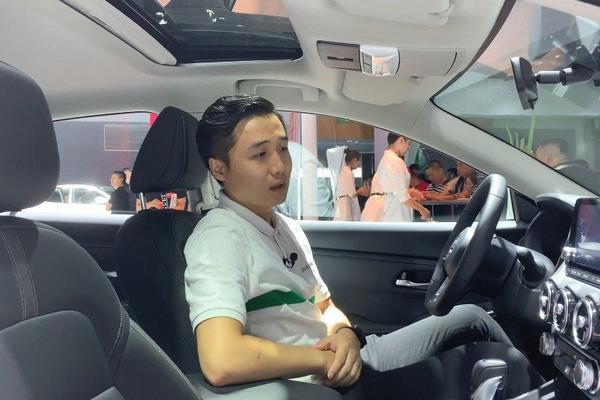 视频:丰田卡罗拉和日产轩逸,谁的内部空间更大更舒适