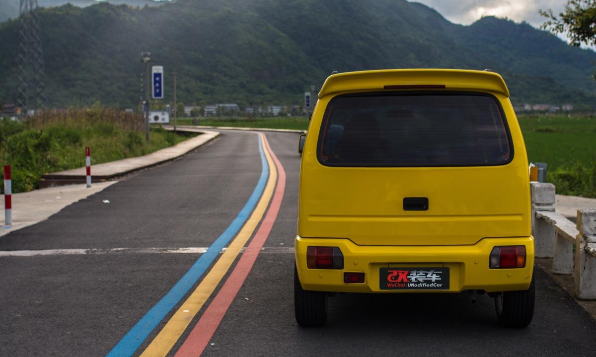 小巧k-car,铃木北斗星内饰竟改得如此豪华!