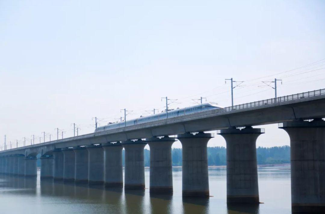 央视网:鲁南高铁与京沪高铁实现互联互通 预计11月底投入运营