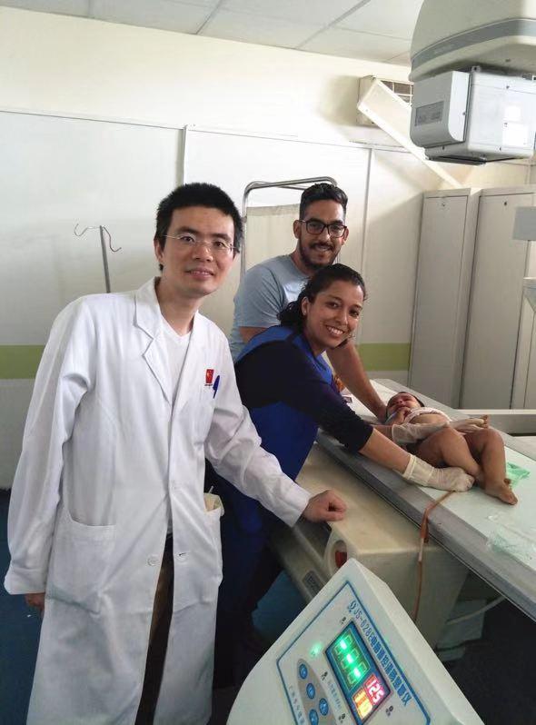 中国医生与中国技术造福更多患儿:摩洛哥成功开展首例儿童肠套叠无创治疗