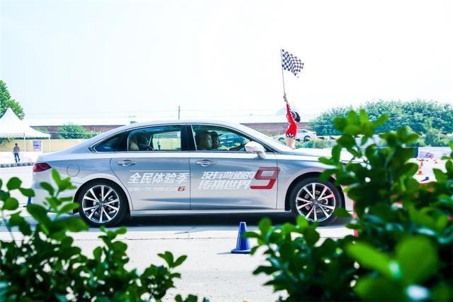 """百公里加速8.8秒,刹车距离35.4米,传祺GA6的配置""""越级""""B级车"""