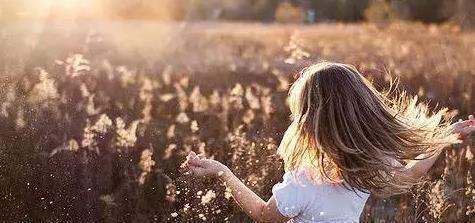 任何奖励方式都可以,前提是能促进孩子的内在动机