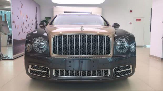 这台顶级豪车售价500来万,车长超5.8米,比劳斯莱斯更运动
