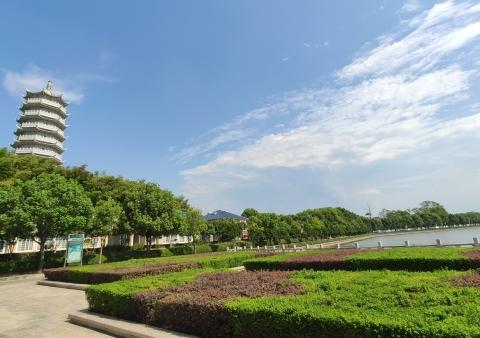 嘉鱼田野都市楼盘:官桥八组发源地,5A景区生态墅区