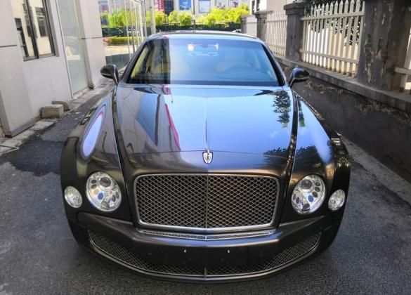老板花215万买二手宾利慕尚,妻子坦言当初想买奔驰迈巴赫S级的