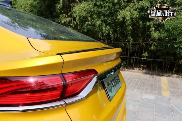 这款国产车售价竟高达20万!网友都觉得非常值!