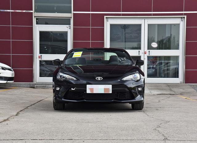 重新回归的丰田86起售27.78万,依旧2.0L水平对置发动机+6挡手动