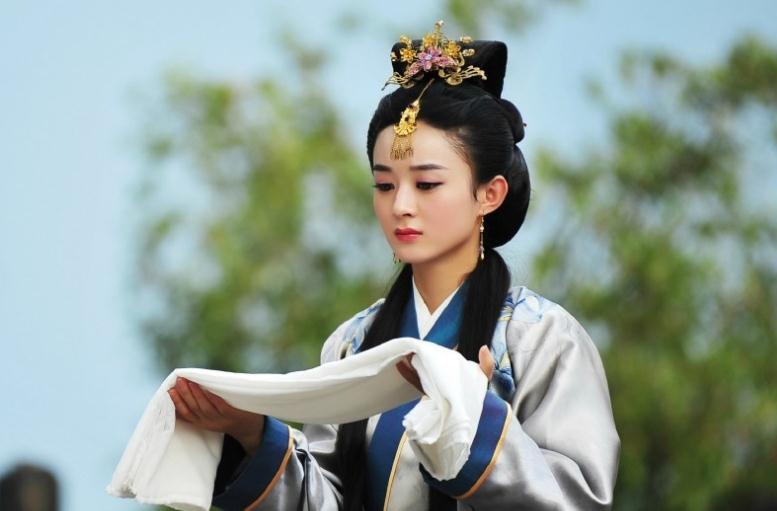 赵丽颖刚刚复出便官宣两部大剧 她将与著名导演郑晓龙合作