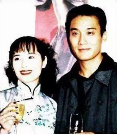 他是香港男演员中的一座高山,演技顶级,却把自己活成了一普通人