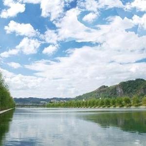 """水利部:截至8月全国河湖""""四乱""""问题完成清理整治5万多个"""